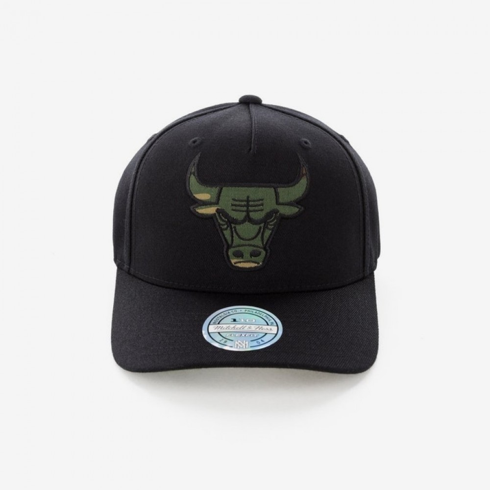 3fbdd100959 Venue Store MITCHELL   NESS Chicago Bulls 110 A-Frame Snapback Cap ...