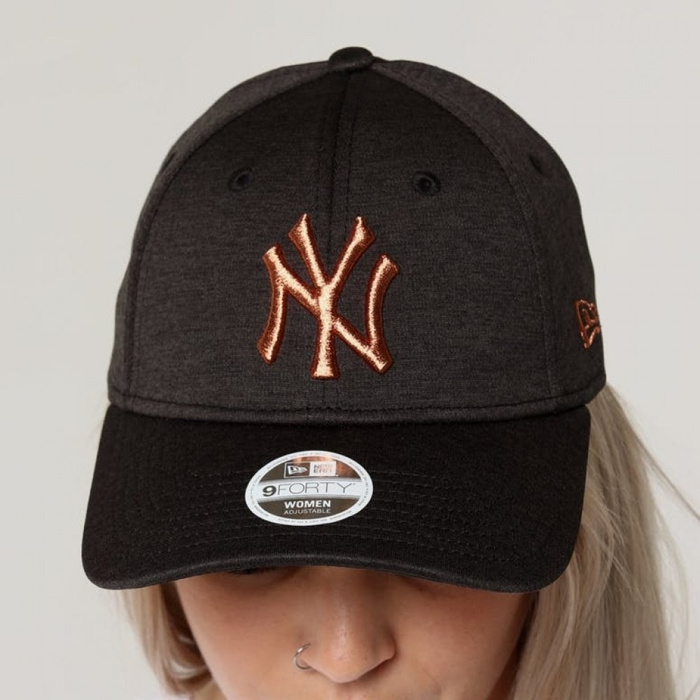 3c0f227a3 Venue Store NEW ERA New York Yankees 940 Womens Strapback Cap ...