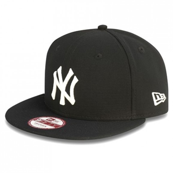 NEW ERA New York Yankees 950 Snapback Cap - Black/White