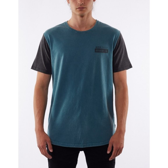 SILENT THEORY Contrast Mens Tee - Lake Blue